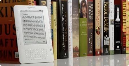 Kindle_on_bookshelf